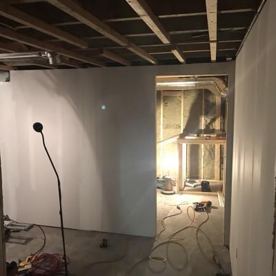 CEDAR CLOSET - Framing and drywall